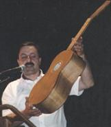 Domenico Campitiello describing a chitarra battente